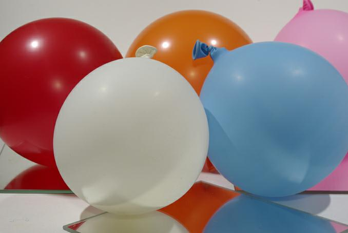 ballons de couleur. photo michel ducruet.2010
