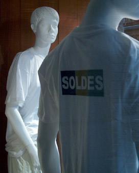 soldes tee-shirt. Saint-Malo. photo michel ducruet